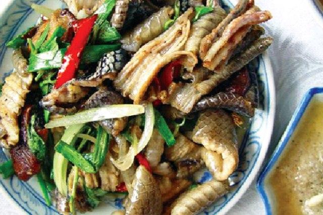 Cách làm món thịt rắn xào sả ớt ngon và bổ