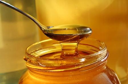 Cách dùng mật ong trị mụn trứng cá đúng cách nhanh hết mụn