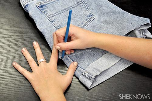 Cách làm đồ handmade từ quần jean cũ