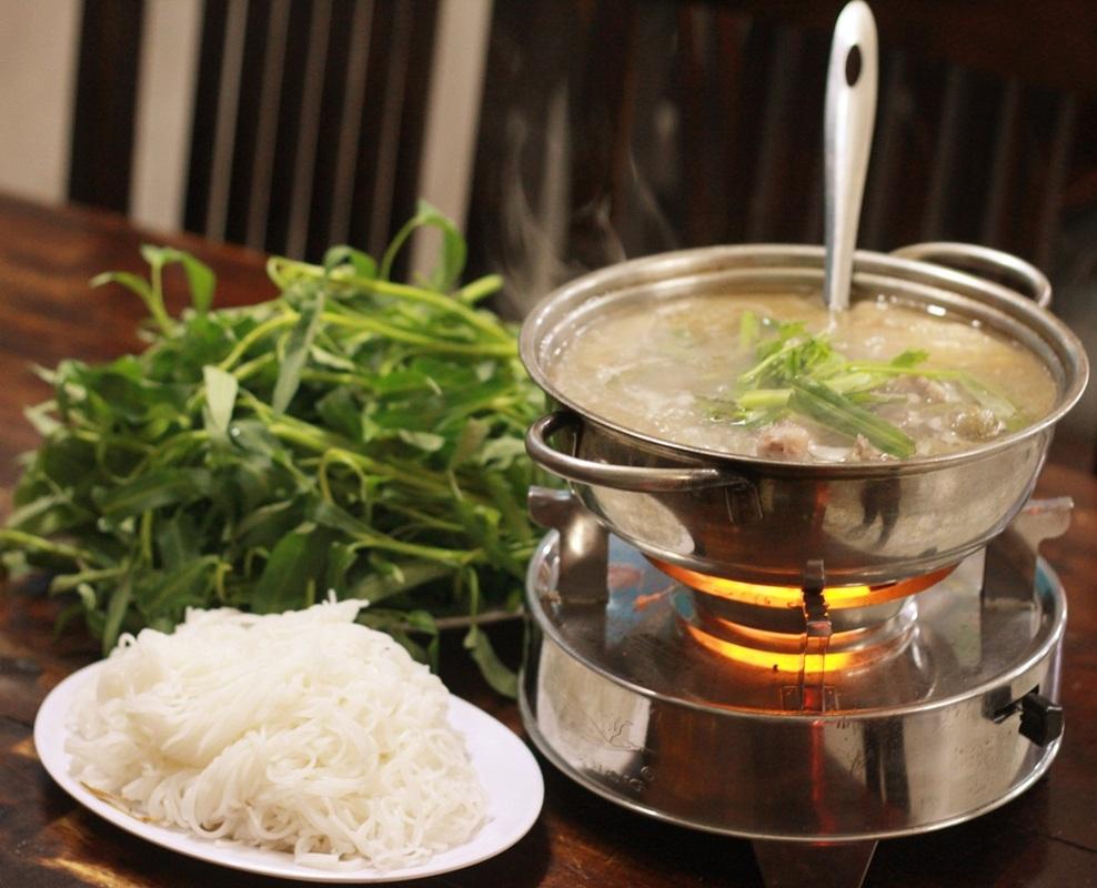 Cách làm lẩu vịt rau muống và vịt hầm sả miền Tây ngon nhất