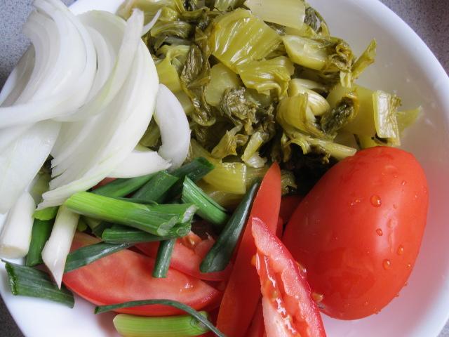 Cách nấu mực tươi xào dưa chua ăn cực ngon miệng