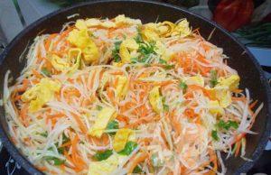 Cách làm món su hào xào trứng rất nhanh mà ngon