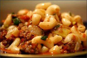 Cách làm nui xào bò sốt cà chua cực hấp dẫn