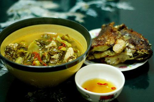 Cách nấu canh dưa chua với cá ăn ngon cơm mùa nóng