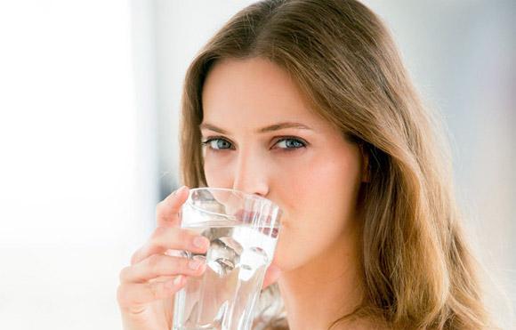Cách uống nước đúng cách để giảm cân hiệu quả